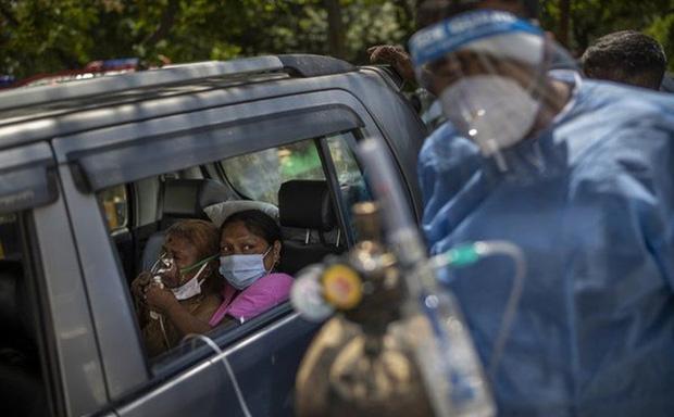 Tòa án Ấn Độ tuyên bố sẵn sàng treo cổ bất cứ ai cản đường vận chuyển oxy - Ảnh 1.