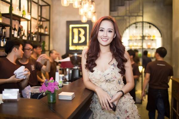 Mai Phương Thúy, hoa hậu Việt Nam năm 2006, là bà chủ của hai nhà hàng sang trọng tại TP HCM. Cô từng chia sẻ, dù gia đình không tới mức khó khăn, cô tự kiếm tiền trang trải cho nhu cầu cá nhân từ năm 16 - 17 tuổi. Hiện tại, cô quan tâm tới lĩnh vực đầu tư chứng khoán, tài chính và tập trung vào lĩnh vực này trong tương lai.