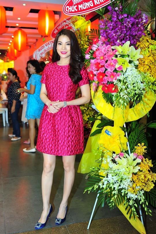 Trương Ngọc Ánh không chỉ làm MC, diễn viên mà còn là chủ của một công ty quảng cáo, một công ty sản xuất phim, và một số nhà hàng sang trọng tại TP HCM.