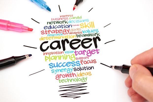 Biết được nghề nghiệp, bạn sẽ có thể tích luỹ thêm kiến thức cần thiết, làm các công việc liên quan giúp bạn thăng tiến cao hơn trong nghề nghiệp bản thân.