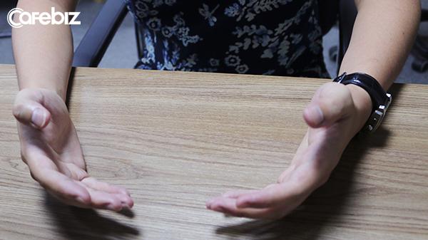 Bàn tay với lòng bàn tay ngửa lên