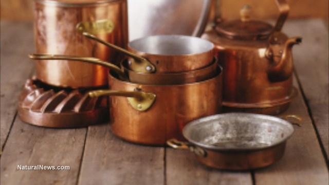 Các dụng cụ thường dùng trong nhà bếp cũng có thể gây nguy hiểm tới sức khỏe.