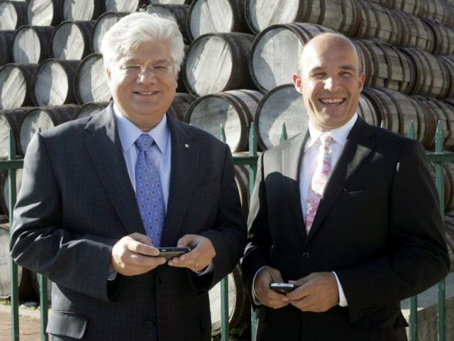 2 CEO nổi tiếng của BlackBerry vào cuối thập niên 2000, Mike Lazaridis và Jim Balsillie.