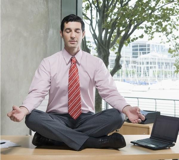 Các doanh nhân có nhiều cách khác nhau để tràn trề năng lượng cho nửa cuối ngày làm việc.