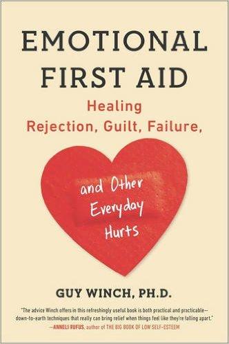 Bìa cuốn sách Emotional First Aid của tác giả Guy Winch