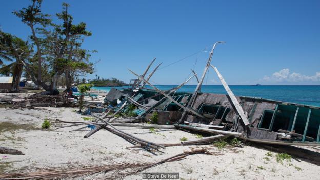 Đảo Malapascua đã bị tàn phá nặng nề sau cơn bão Haiyan.