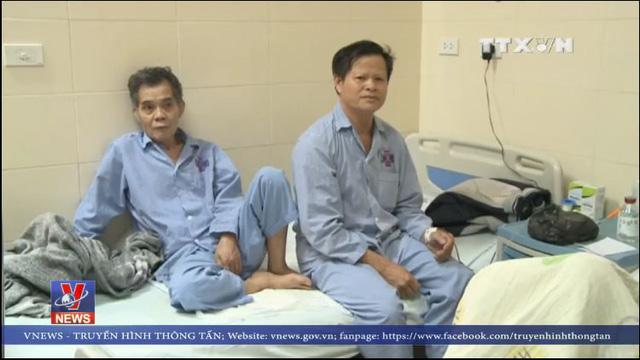 Bệnh nhân tại bệnh viên K Trung ương luôn phải chịu tình cảnh ghép chung giường. Hai bệnh nhân ghép chung một giường, thậm chí có thời điểm 3 bệnh nhân bị ghép giường.