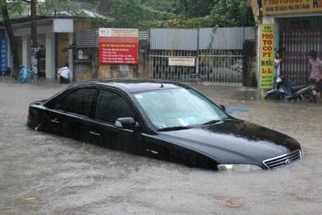 Không nên mua xe đã từng bị ngập nước