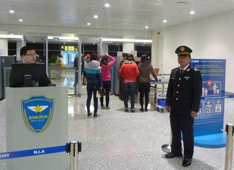 Khu vực xuất nhập cảnh ở sân bay Nội Bài