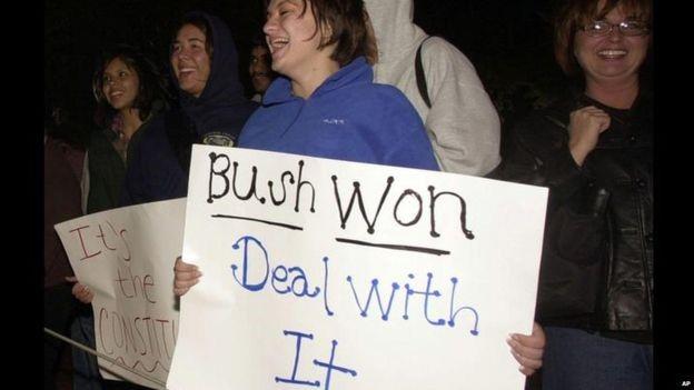 Bê bối bị bắt vì lái xe khi say xỉn của Bush không ảnh hưởng đến chiến thắng của ông. Ảnh: AP.