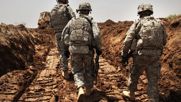 Liệu Trump có thể vừa hiện thực hóa tham vọng đập tan IS, vừa không phải điều động bộ binh Mỹ can thiệp quân sự trực tiếp? Ảnh: Reuters