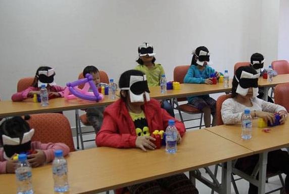 Phương pháp kích não bộ được quảng cáo là có thể giúp trẻ làm được những điều... phi thường. (Ảnh: Internet).