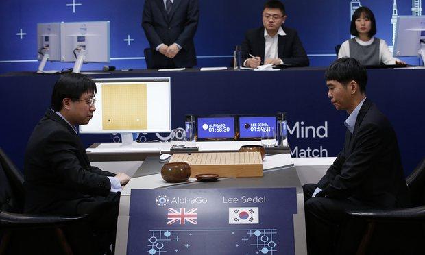 AI có thể làm nhiều việc nhanh hơn hẳn con người, ví dụ đơn giản như ở môn cờ vây với AI DeepMind của Google