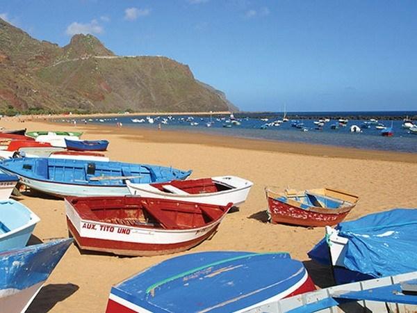 Du khách nước ngoài rất chịu chi khi đến quần đảo Canary, Tây Ban Nha. (Nguồn ảnh: celebritycruises.ie)
