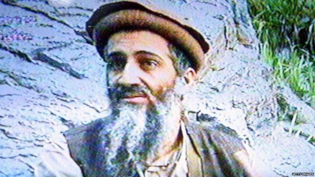 Sự xuất hiện của bin Laden trở thành cú hích cho ông Bush. Ảnh: AFP.