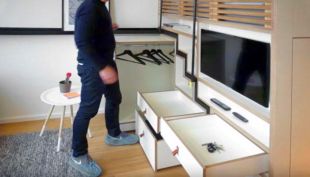 Tủ quần áo và những ngăn kéo thỏa mãn nhu cầu trữ đồ cho chủ nhà.