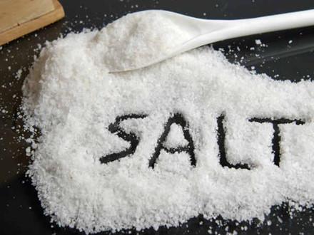 Thức ăn mặn cũng gây hại thận khi bạn tiêu thụ quá nhiều, đặc biệt là khoai tây chiên.