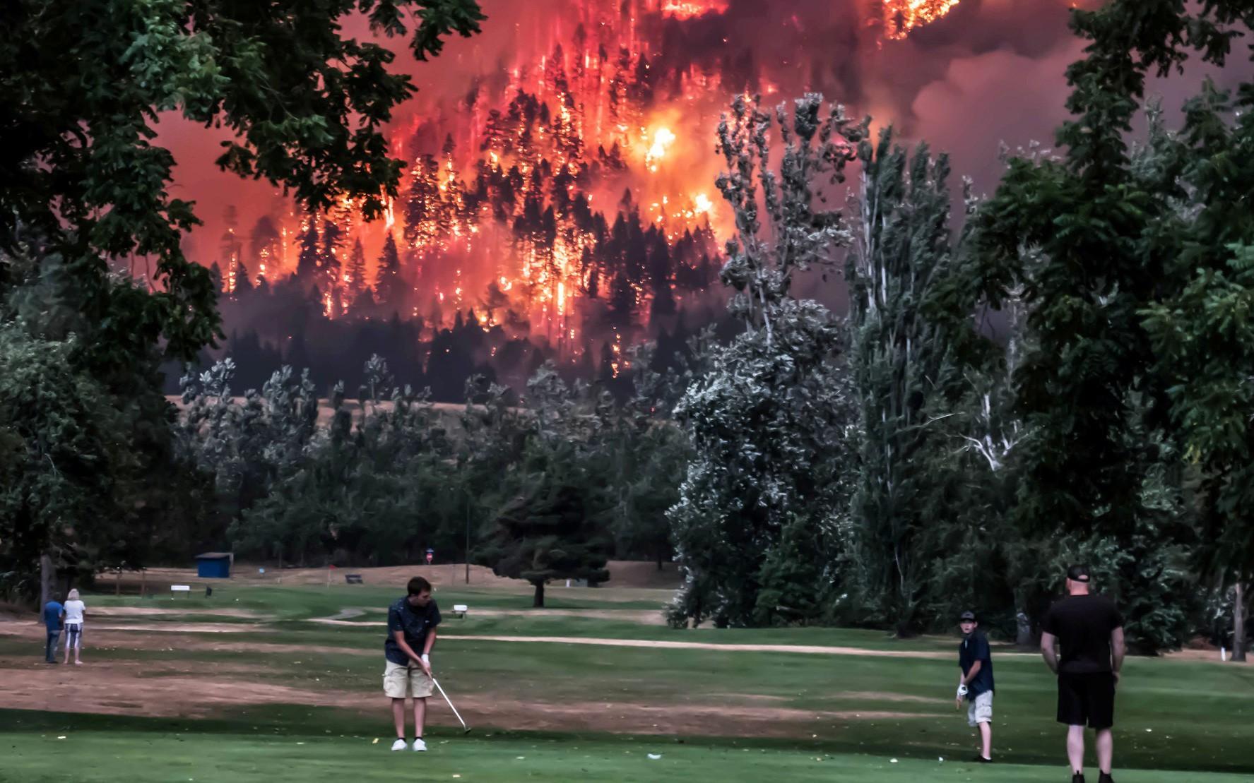 Thế giới đang đốt 306 tỷ USD mỗi năm vì không chịu bảo vệ môi trường