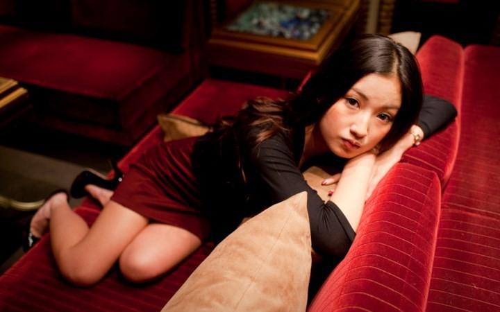 Thế hệ những nữ cử nhân kinh tế Nhật Bản ra trường không đi xin việc, làm tiếp viên quán bar mua vui kiếm tiền, thu nhập cao gấp 10 lần so với làm văn phòng