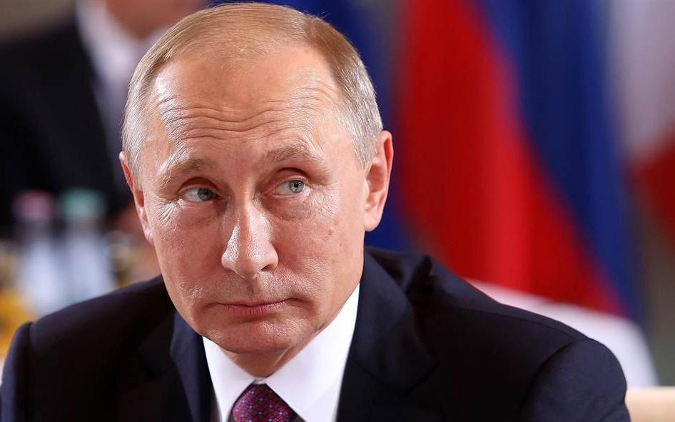 Đất nước bị cấm vận nhưng người dân chỉ thích hương vị táo nhập khẩu, đây là cách tổng thống Putin làm: Cho nhập 143.000 cây táo ngoại về trồng!