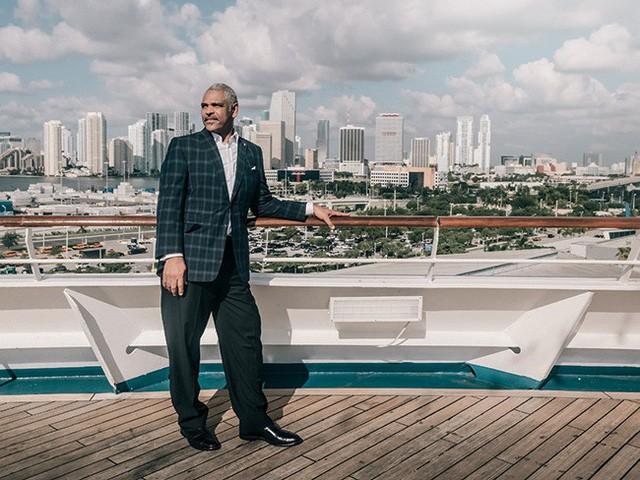 Chỉ nhờ sức mạnh của một câu nói, CEO Carnival đã thoát khỏi đói nghèo, xoay chuyển lịch sử và đang điều hành tập đoàn 48 tỷ đô - Ảnh 1.