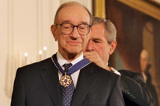 Ông Greenspan được Tổng thống Bush trao huân chương năm 2005