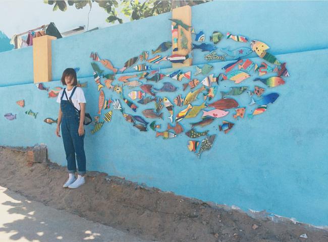 Mảng tường cá vô cùng dễ thương và ý nghĩa đối với người dân làng chài. (@camgiangg)
