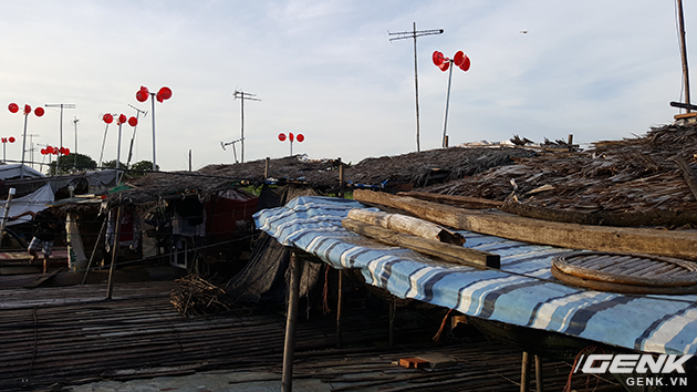 Nhóm của KTS Lê Vũ Cường mất khoảng 2 tuần để lắp đặt hoàn thiện 10 bộ phát điện gió như vậy.