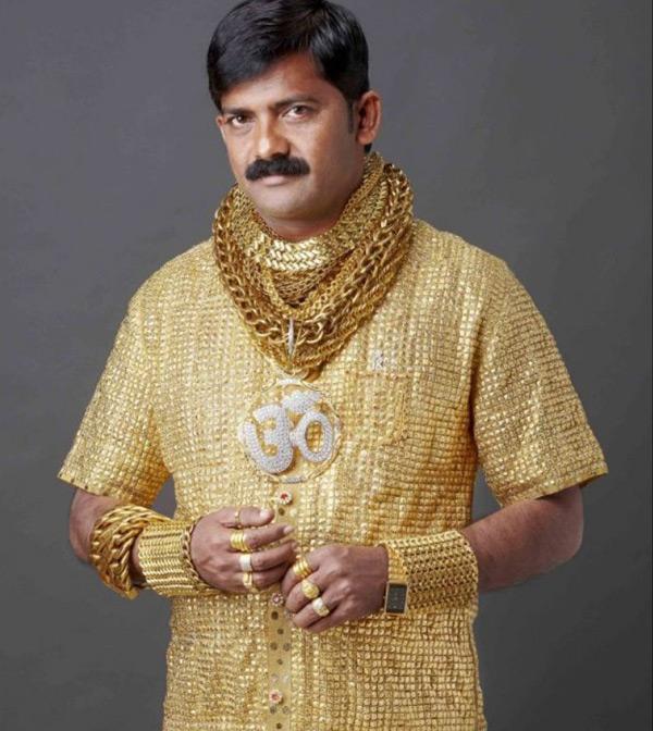 Người đàn ông với đam mê vàng
