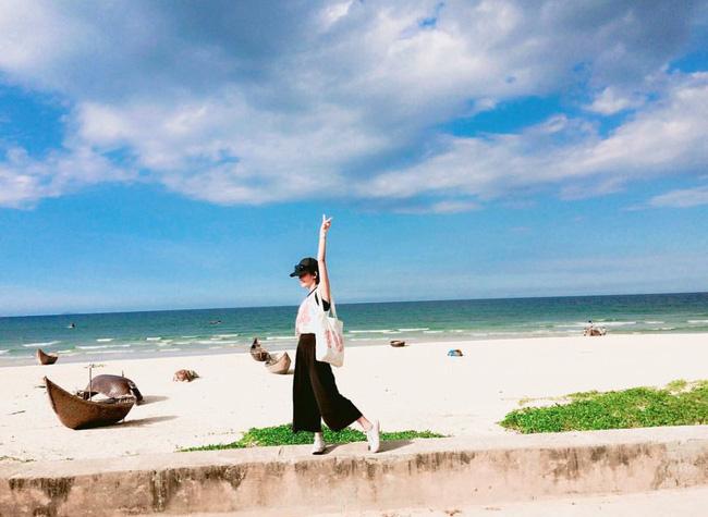 Không chỉ có ngôi làng, mà cảnh biển ở đây cũng vô cùng đẹp (@ptmd18)