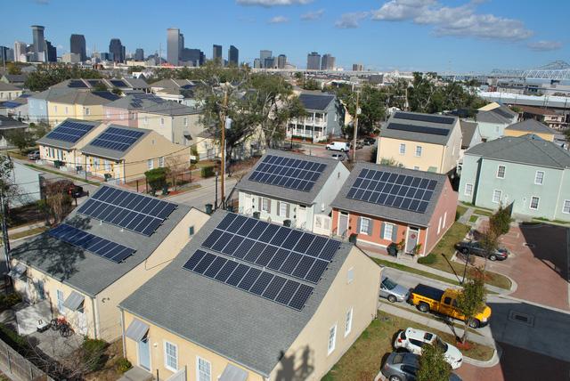 Những ngôi nhà sử dụng pin mặt trời và năng lượng sạch đang trở thành một xu thế tại Israel