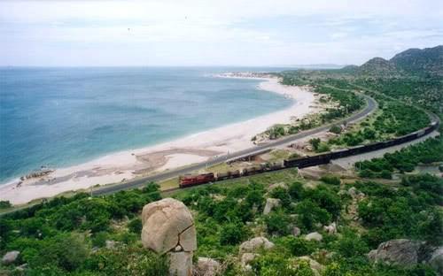 Quang cảnh bãi biển Cà Ná (Ninh Thuận).