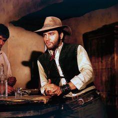 Elvis Presley đội mũ của Stetson trong phim Charro