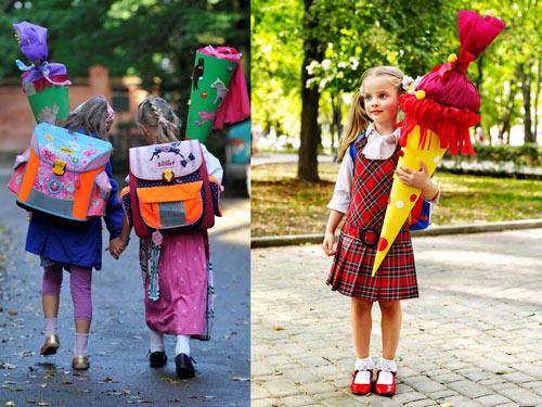 Những chiếc cặp sách đặc biệt đựng đầy kẹo của trẻ em Đức trong ngày đầu tiên đi học.