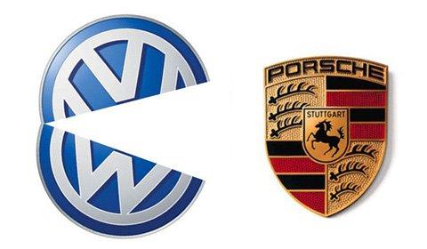 """Việc mua bán qua lại giữa Volkswagen (VW) và Porsche được xem là thương vụ """"phức tạp"""" và bất ngờ nhất trong lịch sử ngành công nghiệp ô tô."""