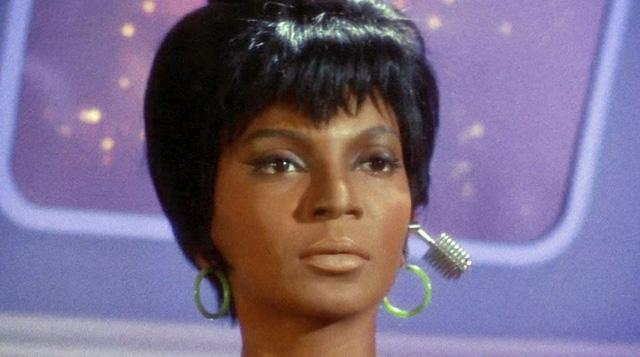 Chiếc tai nghe điện đàm của Uhura trong Star Trek