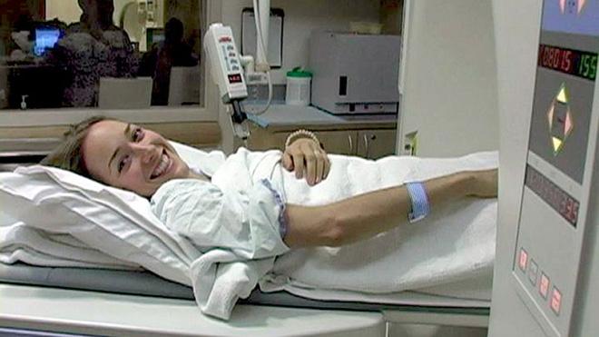 Kris bắt đầu điều trị theo phác đồ của bác sĩ nhưng với một tâm lý lạc quan.