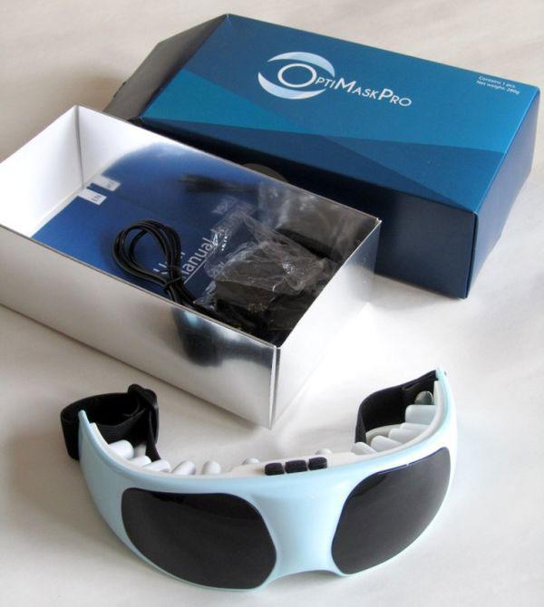 Kính tương tự bán giá trên dưới một trăm nghìn đồng, nhưng qua quảng cáo, thổi phồng tác dụng phục hồi 100% thị lực, cho hoàn tiền 100%, kính mát xa mắt OptimaskPro có giá 1,07 triệu đồng.