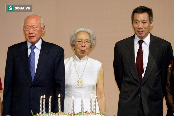 Vợ chồng ông Lý Quang Diệu và con trai Lý Hiển Long.
