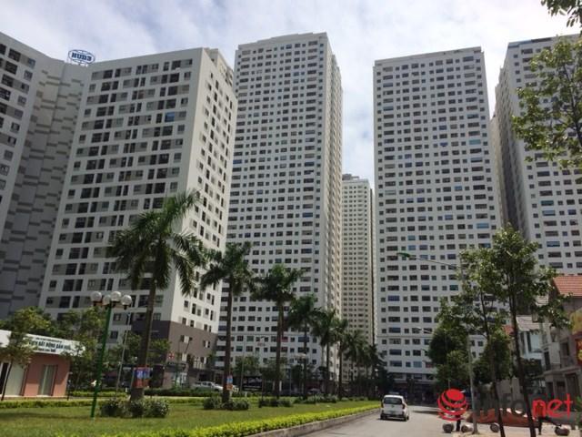 Những tòa chung cư cao tới 36-41 tầng, vượt cả quy hoạch khu vực. Ảnh: Minh Thư