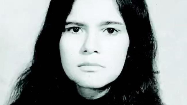 Marina Chapman đã bị bắt cóc và bỏ rơi ở trong rừng từ năm 5 tuổi.