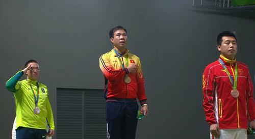 Khoảnh khắc Xuân Vinh giúp quốc ca Việt Nam lần đầu được vang lên ở đấu trường Olympic