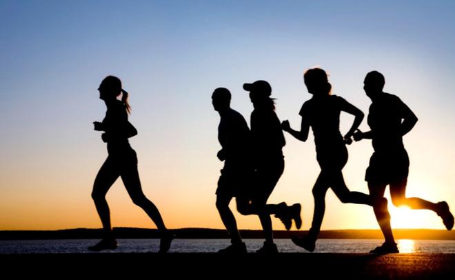 Ăn kiêng điều độ và thể thao để giảm cân mạnh khỏe.