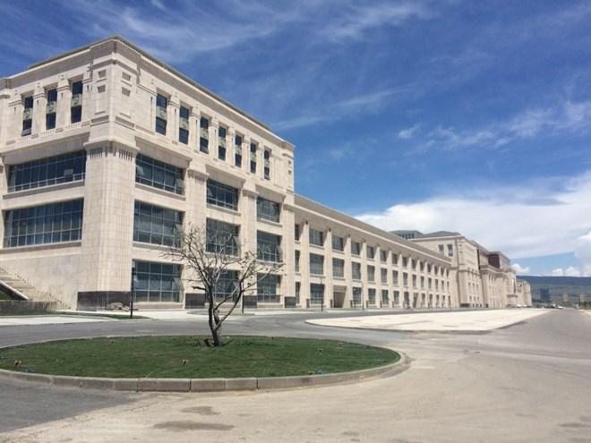 Trung tâm thương mại lớn nhất ở khu vực Caucacus dự kiến đi vào hoạt động cuối năm nay ở Hualing Tbilisi Sea New.
