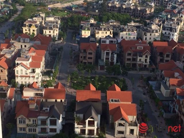 Không chỉ có nhiều nhà chung cư cao tầng, các khu nhà thấp tầng cũng chiếm số lượng khá nhiều tại khu đô thị Linh Đàm. Ảnh: Minh Thư