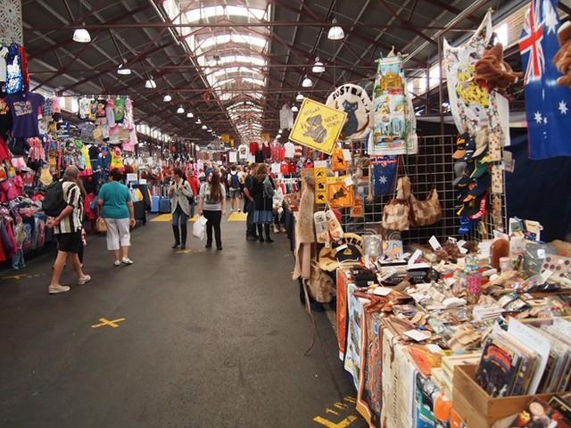 4. Chợ Queen Victoria, Melbourne, Úc: Khu chợ này là một trong những điểm đông khách du lịch nhất Melbourne. Với diện tích 7 héc-ta, đây là chợ ngoài trời lớn nhất Nam Bán cầu.