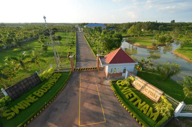 Trang trại Lộc Phát (gồm 2 trại chăn nuôi heo Lộc Ninh 1 và Lộc Ninh 2).