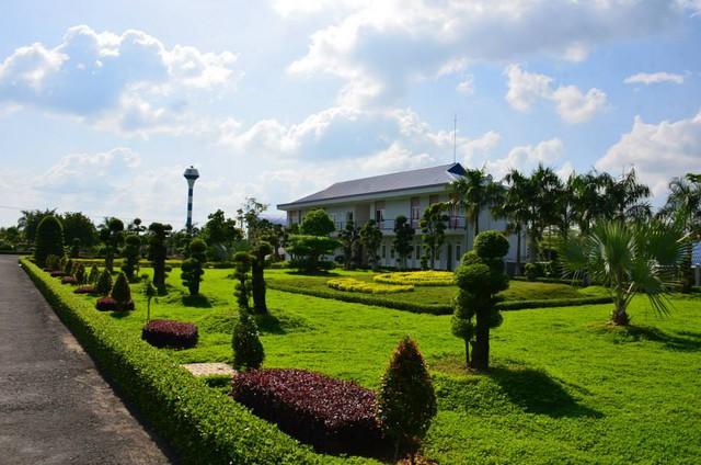 Đây là 2 trại chăn nuôi hợp tác đầu tư giữa Công ty Cổ phần Chăn nuôi C.P Việt Nam và Công ty TNHH Lộc Phát.