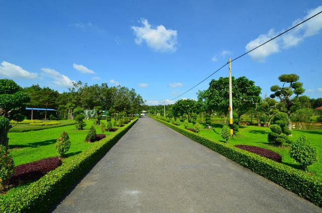 Trại chăn nuôi heo Lộc Phát (Lộc Ninh, Bình Phước) được đánh giá là hiện đại nhất khu vực Đông Nam Á.