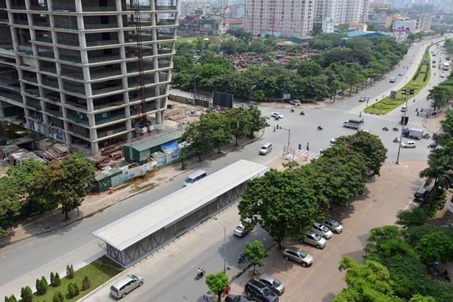 Nhà chờ BRT Hà Nội tại bến xe Yên Nghĩa - Kim Mã. Ảnh: Lê Hiếu. Newszing.
